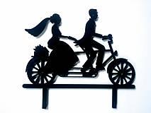 Svadobný zápich - mladomanželia na bicykli (Čierna)
