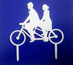 Dekorácie - Svadobný zápich - pár na bicykli (Biela) - 12317512_