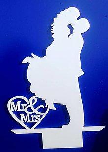 Dekorácie - Svadobný zápich - svadobný pár Mr&Mrs (Biela) - 12317543_