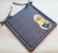 Textil - Podsedák na školskú stoličku  č.9 (Mimoň č.3) - 12321188_