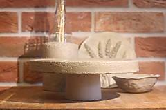 Pomôcky - Betónový stojan na tortu - 12321013_