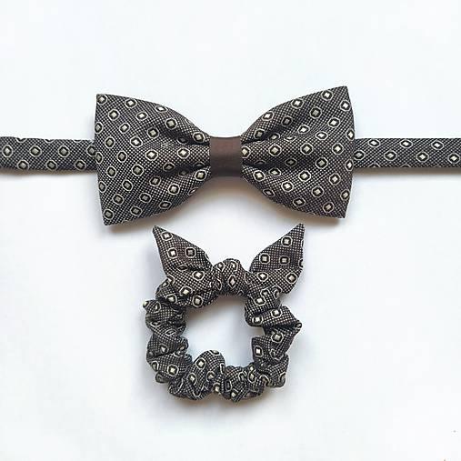 Tmavohnedý set - motýlik & gumička