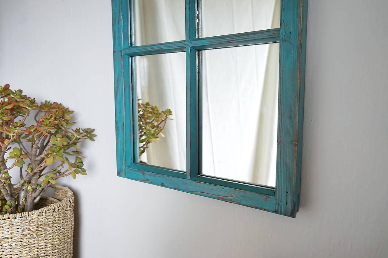 Tyrkysové zrkadlo zo starého okna