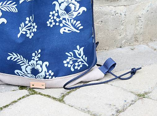 modrotlačový batoh Lesana 24