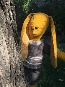 Hračky - zajko v hnedom svetríku .... 2 - 12339285_