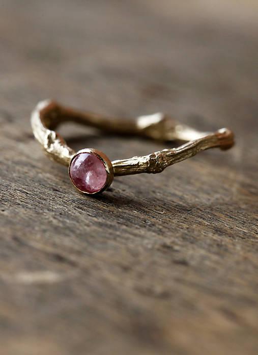 Prsteň dámsky Vetvičkový s ružovým turmalínom
