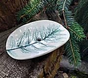 Nádoby - Keramická mydelnička s rastlinným motívom - 12342263_