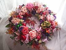 Dekorácie - Jesenný veniec na dvere ... jeseň plná farieb ... - 12351329_