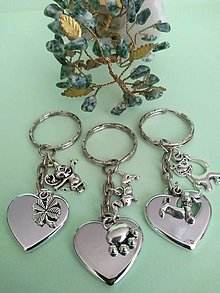 Kľúčenky - Kľúčenka srdce s príveskom (zvieratká 1, 2) - 12351480_