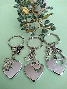 Kľúčenky - Kľúčenka srdce s príveskom (chlapčenská) - 12351543_