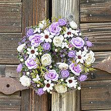 Dekorácie - Venček na dvere s motýlikmi - 12349575_