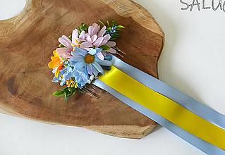 Ozdoby do vlasov - Kvetinový hrebienok do vlasov - modrý - žltý - so stuhami - 12350890_