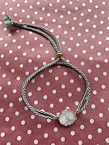 Náramky - Bílá drúza na šedém lanku - náramek - 12355494_