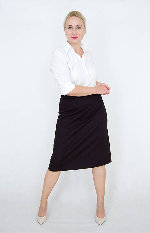 Áčková sukňa s predným štepovaním
