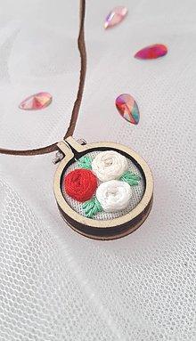 Náhrdelníky - Vyšívaný náhrdelník *3 - 12357637_