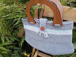 Kabelky - Háčkovaná kabelka tmavošedá s drevenými rúčkami - 12357243_