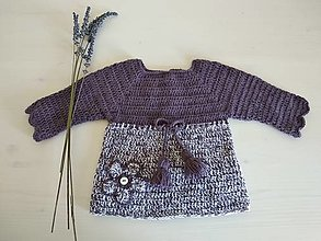 Detské oblečenie - Fialkový svetrík so strapcami - 12356443_