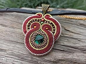 Náhrdelníky - Soutache prívesok Orient Cinnamon - 12362479_