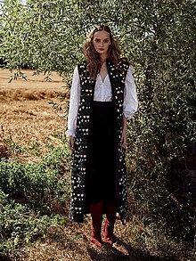 Kabáty - Vyšívaná dlouhá vesta Itzel - 12359002_