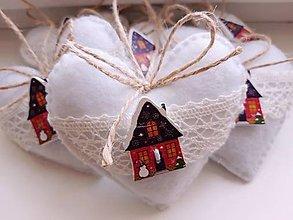 Dekorácie - Vianočné srdiečka s rozprávkovým domčekom - 12361098_