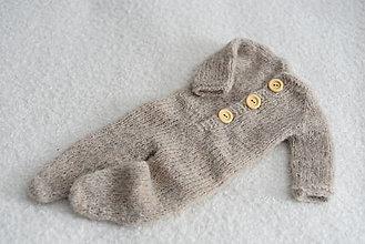 Detské oblečenie - Newborn overal s dlhými rukávmi a čiapočka (sleepy hat) (Svetlobéžová) - 12360279_