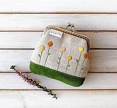 Peňaženky - Vyšívaná peňaženka mini  Kvietky žlté - 12361819_