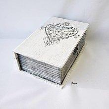 Krabičky - Drevená kniha-srdiečko - 12365833_