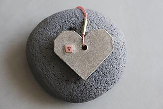 Náhrdelníky - Betónové srdce - 12365719_