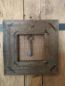 Obrazy - Obraz s rámom zo starého dreva - Kľúčik - 12363090_