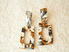 Náušnice - Náušnice z polyméru, abstraktné lístky - 12363870_