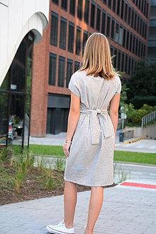 Šaty - Mušelínové šaty/tunika Mirra Grey s opaskom - 12368399_