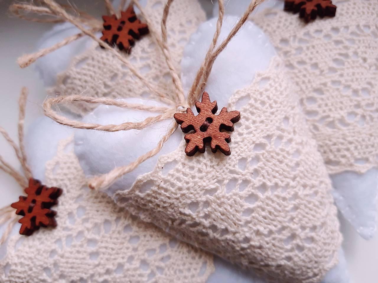 Vianočné srdiečka so snehovou vločkou II.