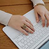 Prstene - BUTTON S matný béžový prsteň - 12366506_
