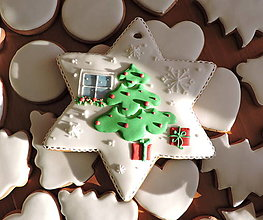 Dekorácie - Veľká Vianočná hviezda so stromčekom - 12372846_