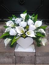 """Dekorácie - zaťažená ikebana na hrob """"srdce"""" s kálami a ružami  44 cm - 12373086_"""