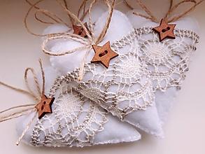 Dekorácie - Vianočné srdiečka s hviezdičkou - 12373070_