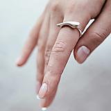Prstene - Výrazný prsten Tess - 12373973_