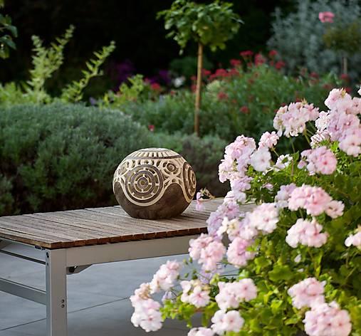 záhradná guľa - svietnik