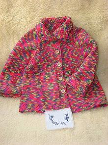 Detské oblečenie - Ručne pletený kabátik pre dievčatko do cca 2 rôčkov - 12376863_