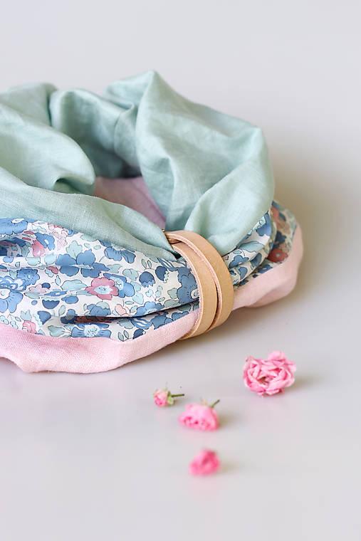 Nežný dámsky trojfarebný nákrčník z ľanu a kvetinovej bavlny