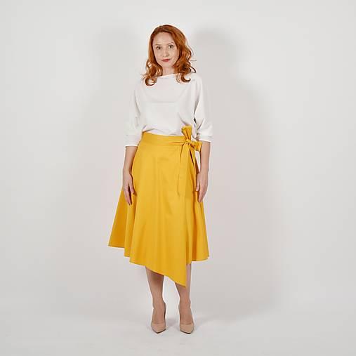 KARLA - elegantná asymetrická zavinovacia sukňa