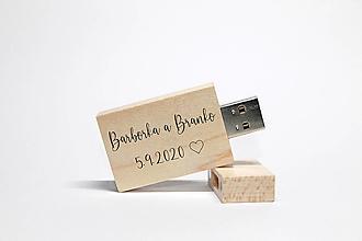 Drobnosti - DREVENÉ USB_PRÍBEH LÁSKY - 12381527_