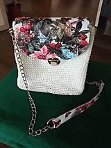 Kabelky - Kvetovaná biela kabelka - 12385171_