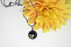 Náhrdelníky - Náhrdelník fialka záhradná - 12385870_