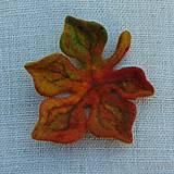 Odznaky/Brošne - ...plstená brošňa - jesenný list... - 12387360_