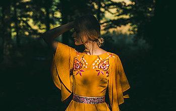 Šaty - Žlté vyšívané šaty Podpoľanie - 12384445_
