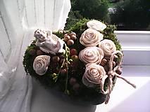 Dekorácie - Prírodná dekorácia na dušičky ...srdiečko odpočívaj v pokoji... - 12384150_