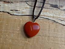 Náhrdelníky - Prívesok srdce z jaspisu - 12387121_