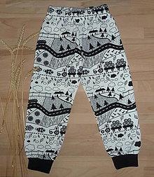 Detské oblečenie - Tepláčky Traktor na bielej - 12390898_