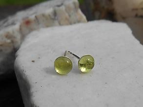 Náušnice - green olivina in silver-olivín-napich.n. - 12391347_